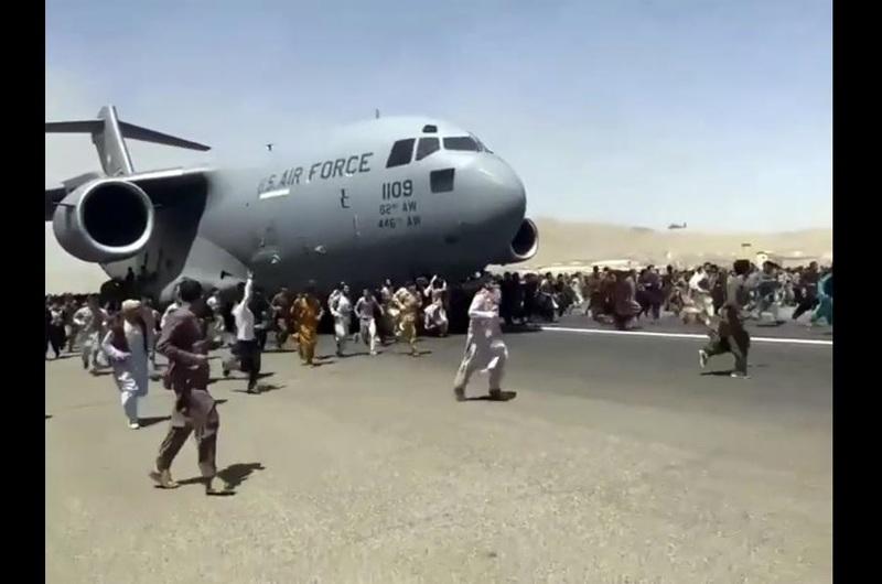 تصاویر هولناک فرودگاه «کابل» یادآور چه فیلم هالیوودی است؟