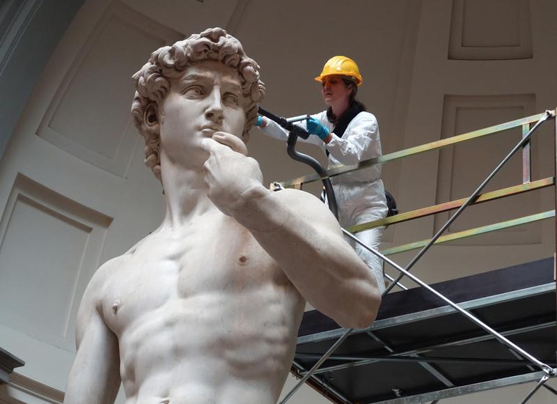 موزهها چگونه تمیز میشوند؟