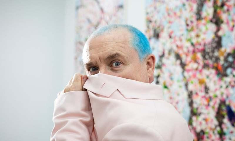 دیمین هرست، از نمایش حیوانات مرده تا نقاشی شکوفههای گیلاس