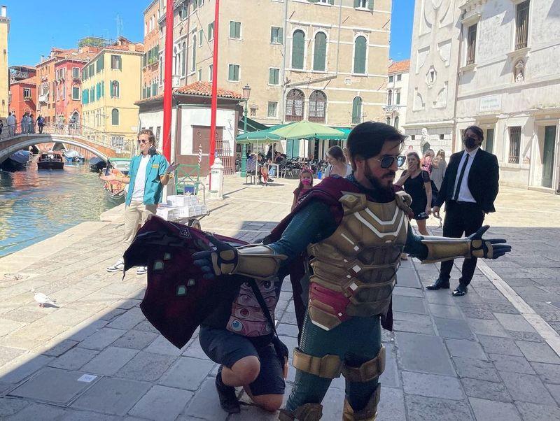 برخورد «جیک جیلنهال» با «میستریو» و «آقای ربات» در ونیز!