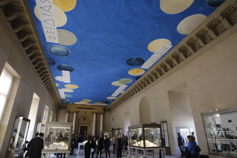 """موزه لوور به آسیب زدن به اثر بزرگ """"تای سومبلی"""" بر سقف سالن مجسمههای یونان و روم باستان متهم شد"""