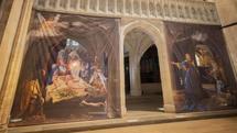 چیدمانی هنری در کلیسای جامع چیچستر برای ادای احترام به قهرمانان دوران کرونا