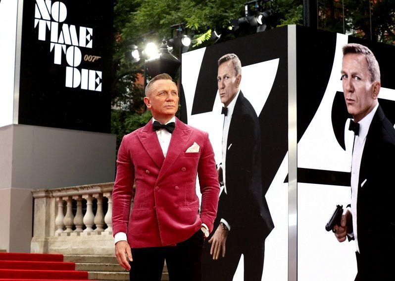 حضور ستارگان سینما در افتتاحیه جیمز باند