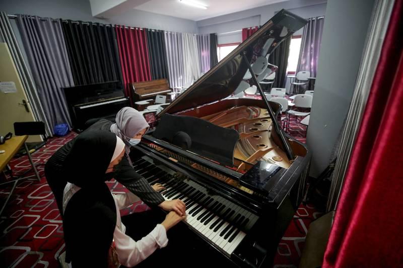 حال تنها پیانوی بزرگ غزه خوب است