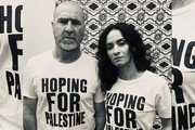 اریک کانتونا و همسر هنرمندش از مردم مظلوم فلسطین حمایت کردند