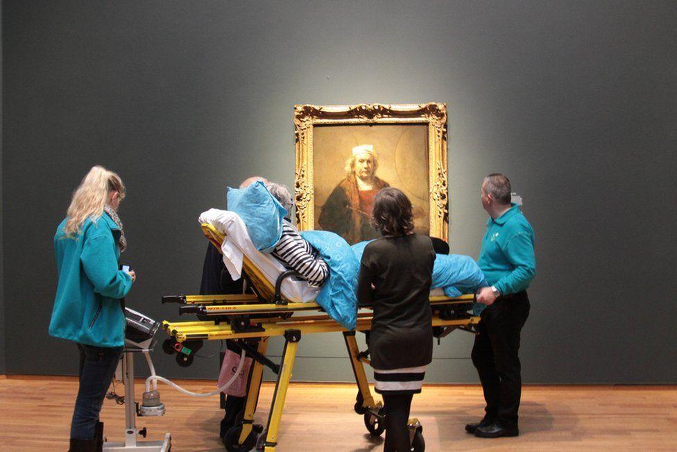 داستان آمبولانسی که آخرین آرزوی افراد را برآورده میکند