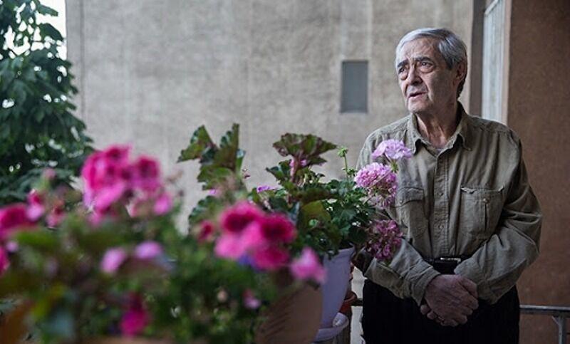 شعرخوانی احمدرضا احمدی در مستندی که ناصر صفاریان ساخت