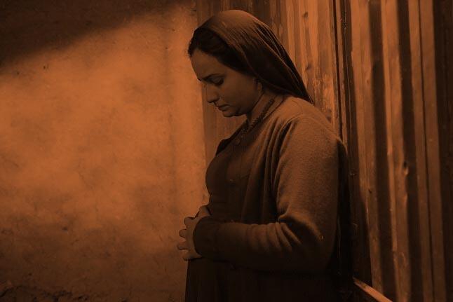 یوزپلنگ برفی در دستان بازیگران زن افغان