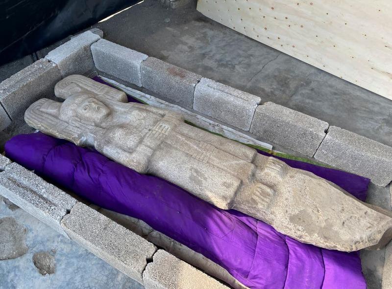 تندیس زن سرخ پوست به جای مجسمه کریستوف کلمب