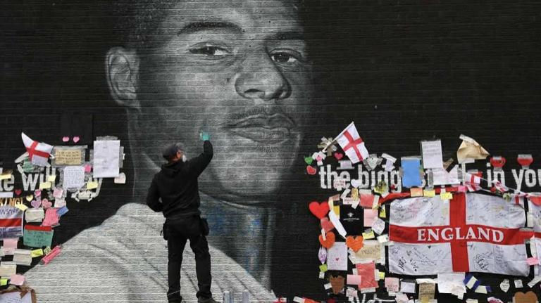 اعتراض مردم انگلیس در برابر نژاد پرستی