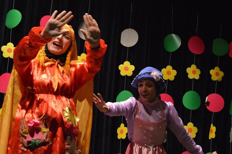 کدام نمایش ها تا پایان تابستان برای کودکان و نوجوانان بر صحنه هستند؟