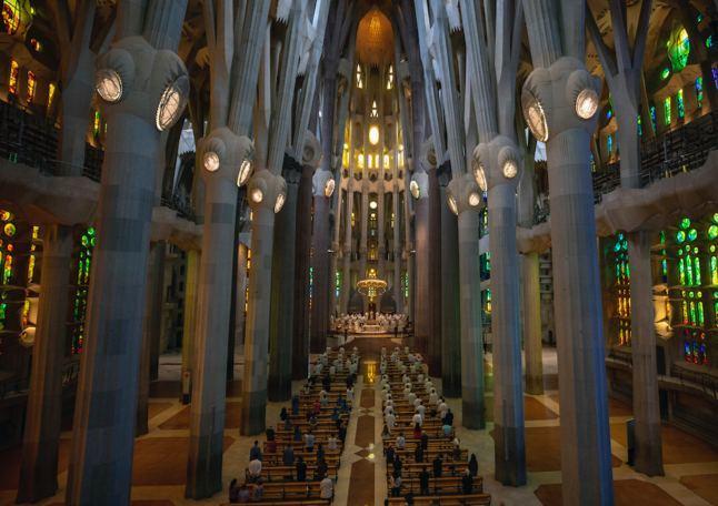ساخت و ساز کلیسای ساگرادا فامیلیا به تعویق افتاد